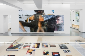 Thomas Hirschhorn, Pixel-Collage, installation view